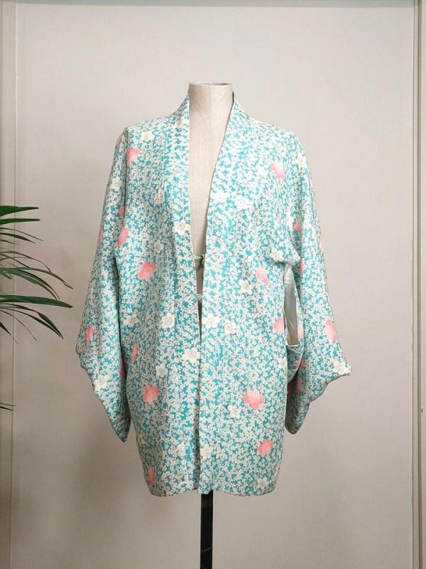 pale-flowers-kimono