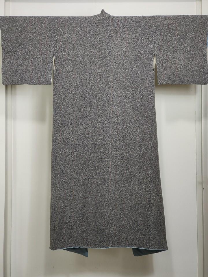 silk-woman-kimono