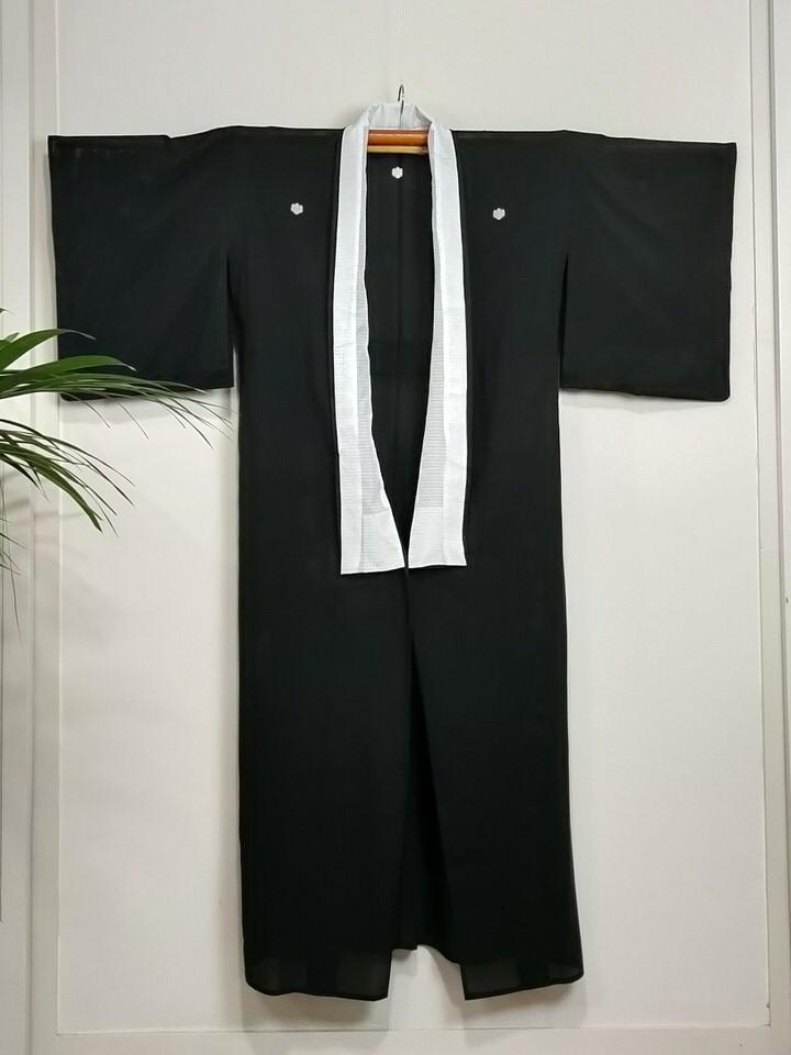 kimono-negro-mujer