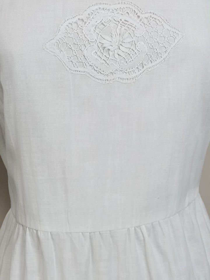 vestido-balnco-corto-encaje