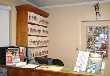 Larchmont Animal Hospital customer check in area