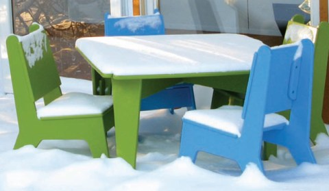 notNeutral table and chairs for kids