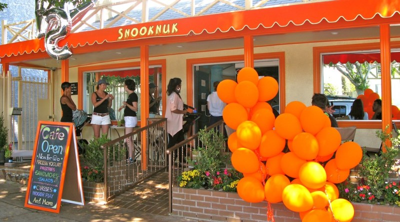 Snooknuk Cafe on Larchmont
