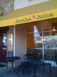 Jamba Juice in Larchmont Village - Outdoor Seating