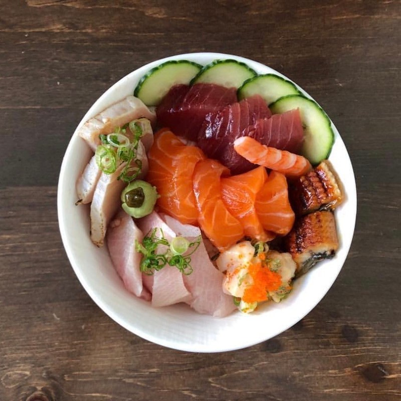 Chirashi Bowl in Larchmont Village
