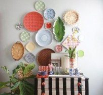 a-special-trick-for-hanging-clusters-of-plates-or-anything-on-a-wall