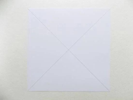 Turntable kertas untuk kanak-kanak: Kraf kanak-kanak 1 2