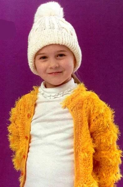 Bonés para a menina: Agulhas de malha para o inverno Shapka Spicami Dlya Devochki 21