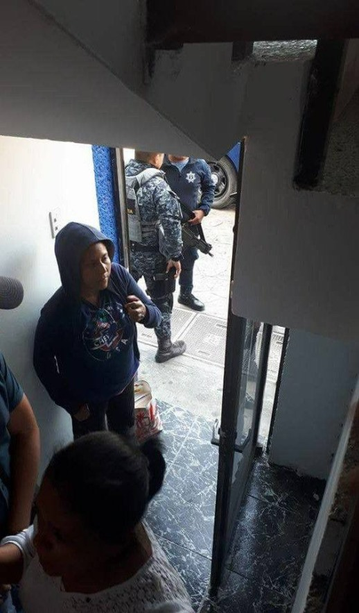 Detiene policía a roba chicos