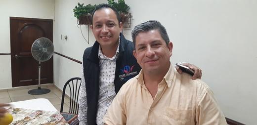 Independiente reta a debate a candidatos al distrito VII