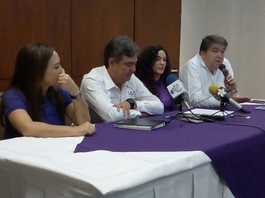 """Sustituyen a """"chica del clima"""" en candidatura por el 08 Distrito"""