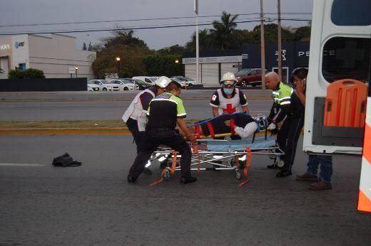 Raudo vehículo atropella a empleada de Sanborns en Tampico