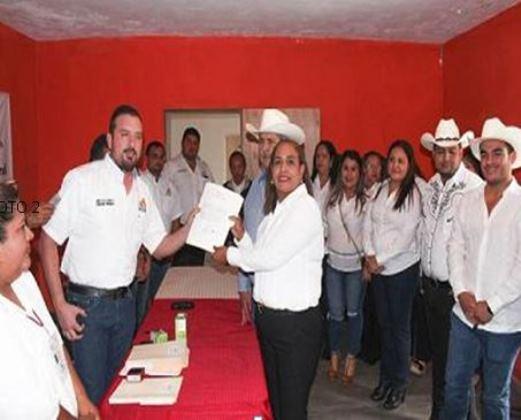 Registra candidatura Rosa María Constante