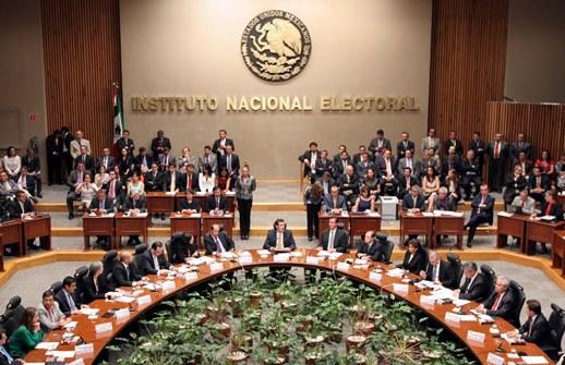 Rechaza INE propuesta de candidatos sobre debate