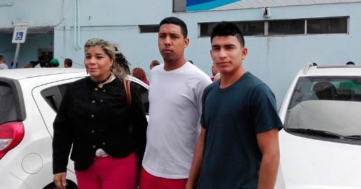 Imploran 400 venezolanos asilo político