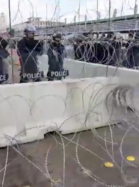 Grupo de migrantes centroamericanos intentan cruzar a EU