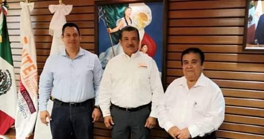 Recibe Rigoberto Guevara la visita del Ing. Arturo Vázquez Córdova