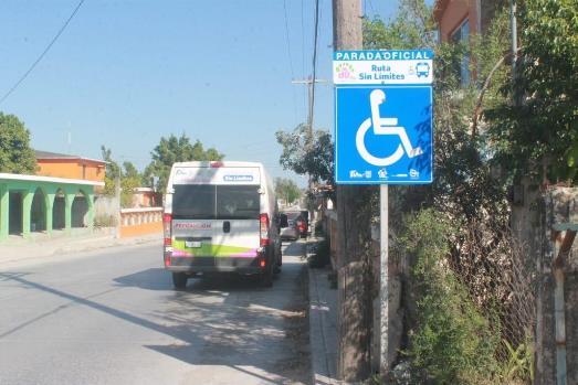 Instala DIF señalamientos para personas con discapacidad