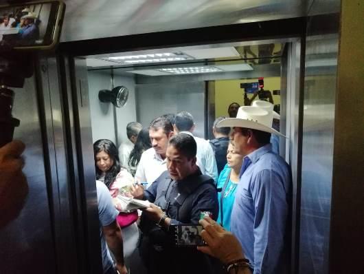 Regidores del PAN de Villa de Casas exigen bono de 20 mil pesos
