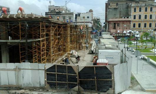 Restauran dueños edificios a la par de obras en el centro