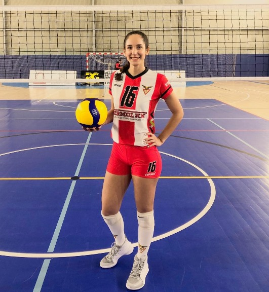 Victorense firma con equipo profesional de voleibol en Portugal