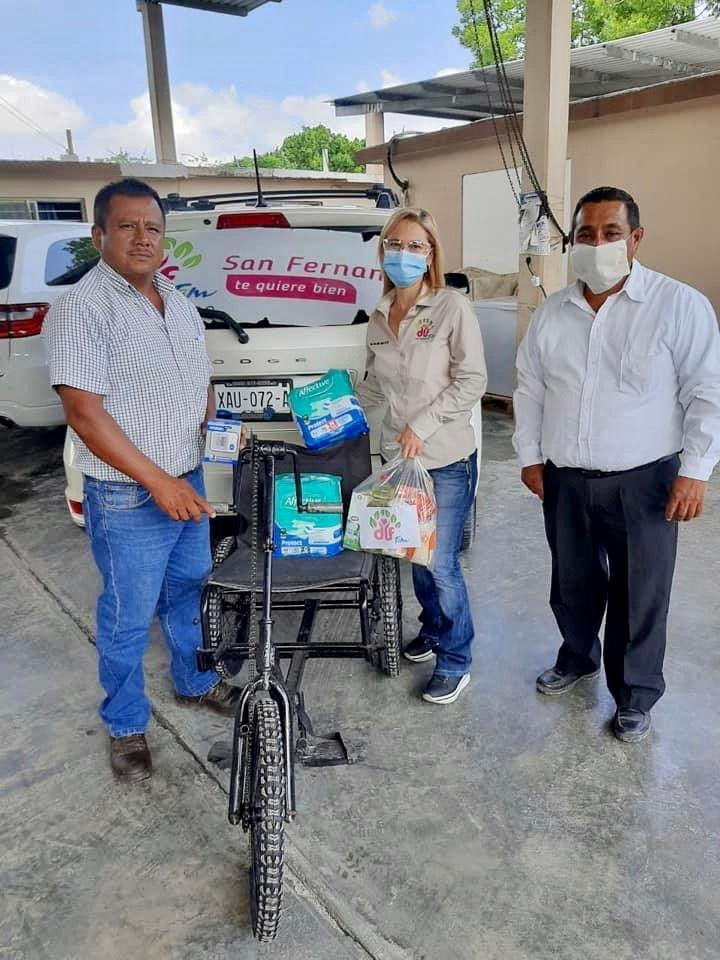 Beneficia DIF San Fernando a diez personas con carritos PET