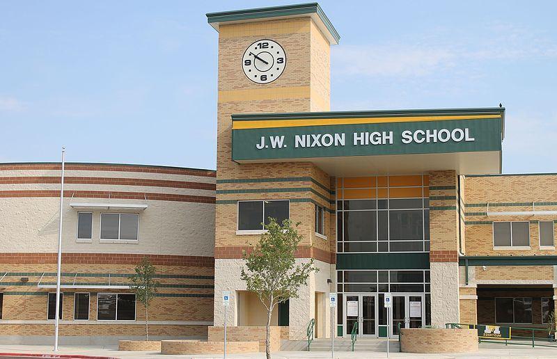 Prohíben clases presenciales; serán clases virtuales en escuelas de Laredo, Texas