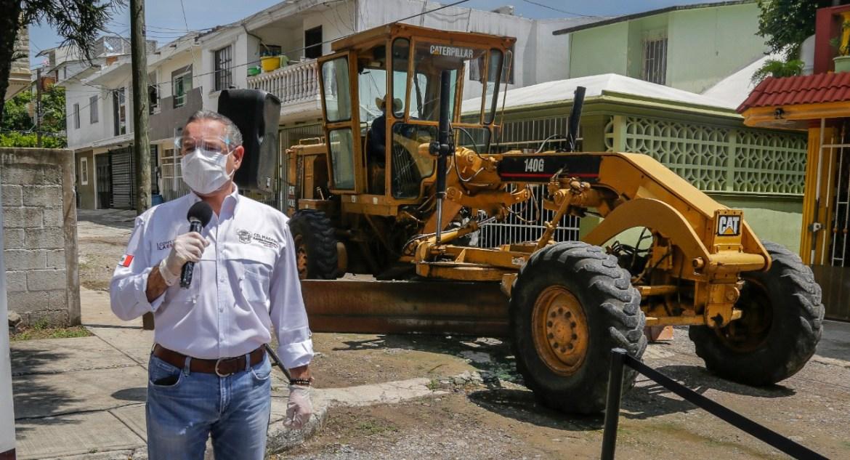 Avanza construcción de vialidades dignas y seguras