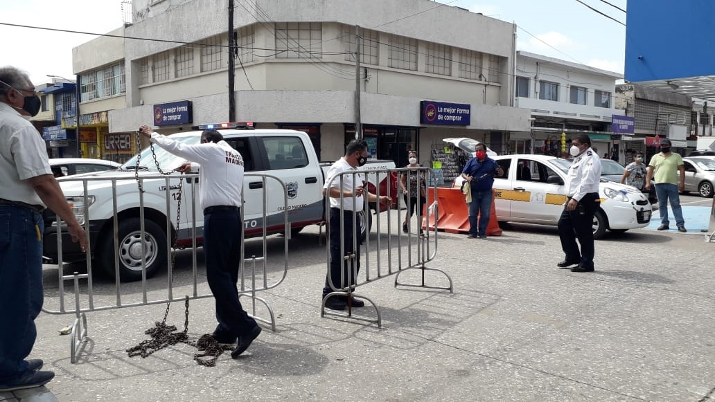 Abren circulación vehicular en el centro de Madero