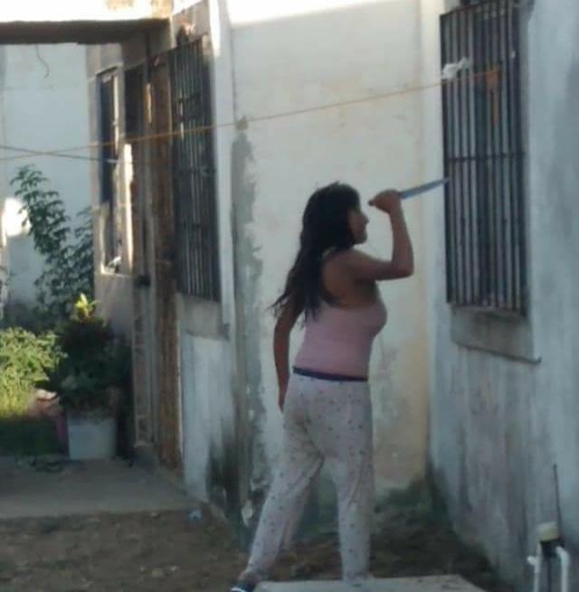 Mujer con cuchillo causa terror en la Miramápolis
