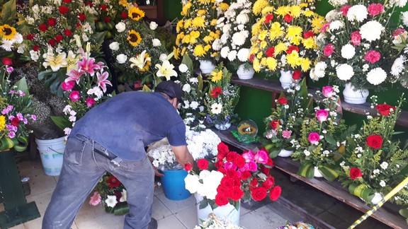 Florerías del centro entran en severa crisis