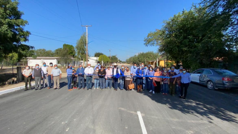 Realiza corte de listón alcalde José Ríos en calle Álamo de Paso Real