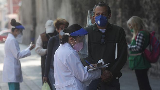 Son ocho meses desoladores: no se ve el fin de la pandemia
