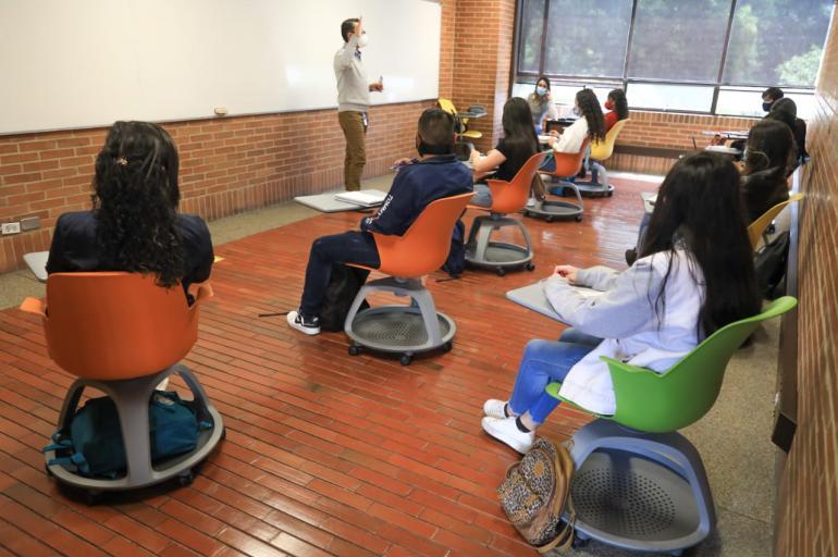 Asegura la SET clases presenciales en prepas y universidades