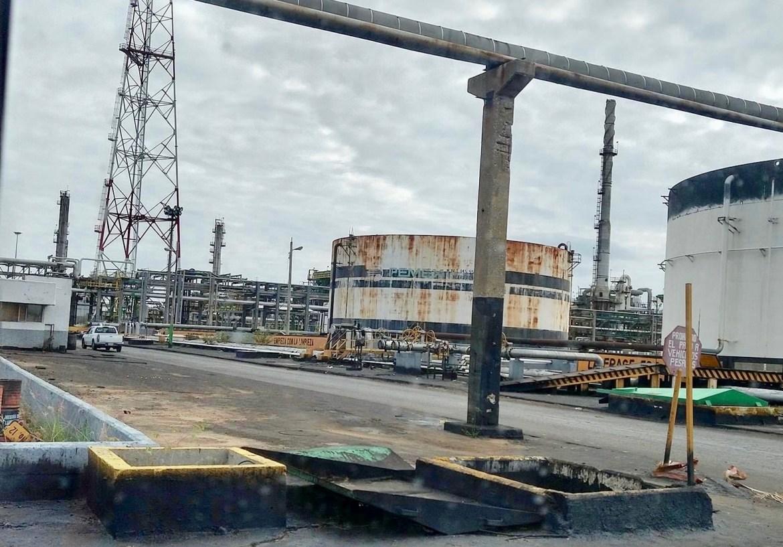 """Exigen a AMLO cumplir con refinería """"Francisco I. Madero"""""""