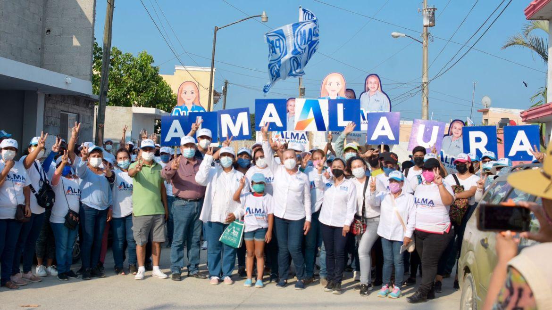 Recibe Alma Laura Amparán respaldo de colonias altamirenses