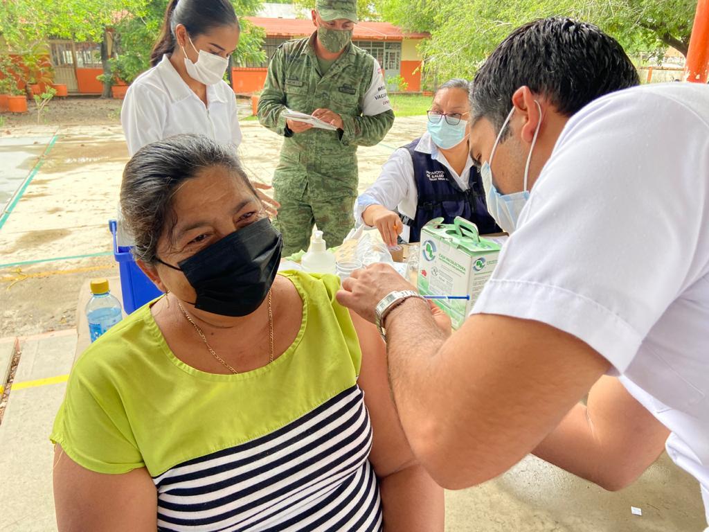 Aplicarán segunda dosis de vacunas a los de 40 y 49 años en Burgos, Méndez y Cruillas