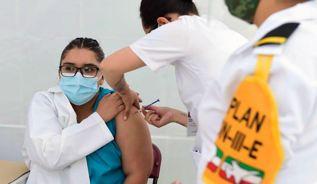 Ajustarán inmunización de 18 a 39 años para hacerla expedita