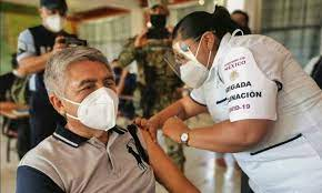 "Maestros vacunados con ""CanSino"" no podrán ingresar a EUA"