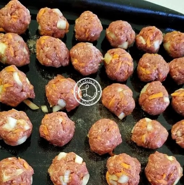 Meatballs on a cooking sheet