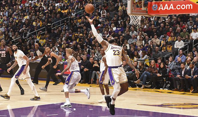 Lakers Starts 2020 With A Victory Over Phoenix Suns In The