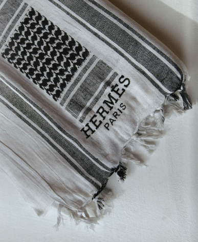 """""""Ghutra Hermés"""" Object, embroidery on textile."""