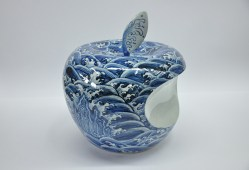 Apple - CHINA (sea waves), 2008