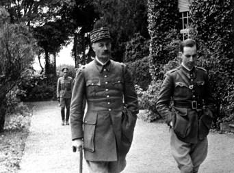 WAR & CONFLICT BOOKERA:  WORLD WAR II/PRIONERS