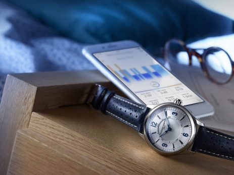 Frederique_Constant_Horological_Smartwatch_nature_morte_FC-282AS5B6