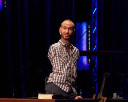 Nick Vujicic guest speaks at Crossline Church in Laguna Hills Feb. 26. Vujicic travels the world, hoping to succeed in reaching all 7 billion people. (Austin Weatherman/Lariat)