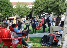 Students wait outside during the Great ShakeOut earthquake drill at Saddleback College. (Diana Tomseth/Lariat)