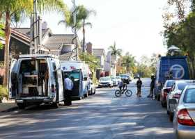 News crews line up at the site of a local shooting outside 6 Ashbury Ct in Aliso Viejo. (Adam Gilles/Lariat)