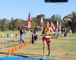 Saddleback runner Brody Ray comes into the finish line. (Diana Tomseth/Lariat)