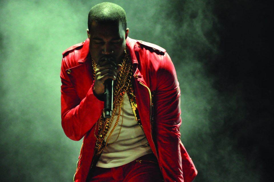 Kanye West raps at Lollapalooza Chile in 2011. Courtesy 45 | Música Independiente